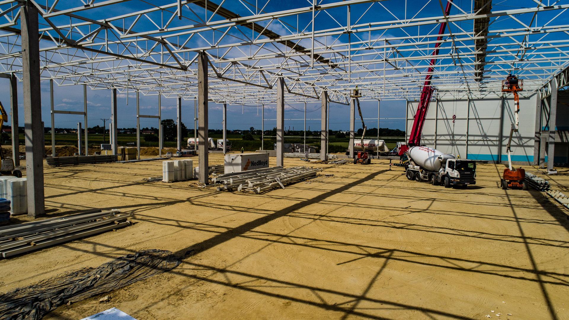Postępy na budowie hali w Ociążu