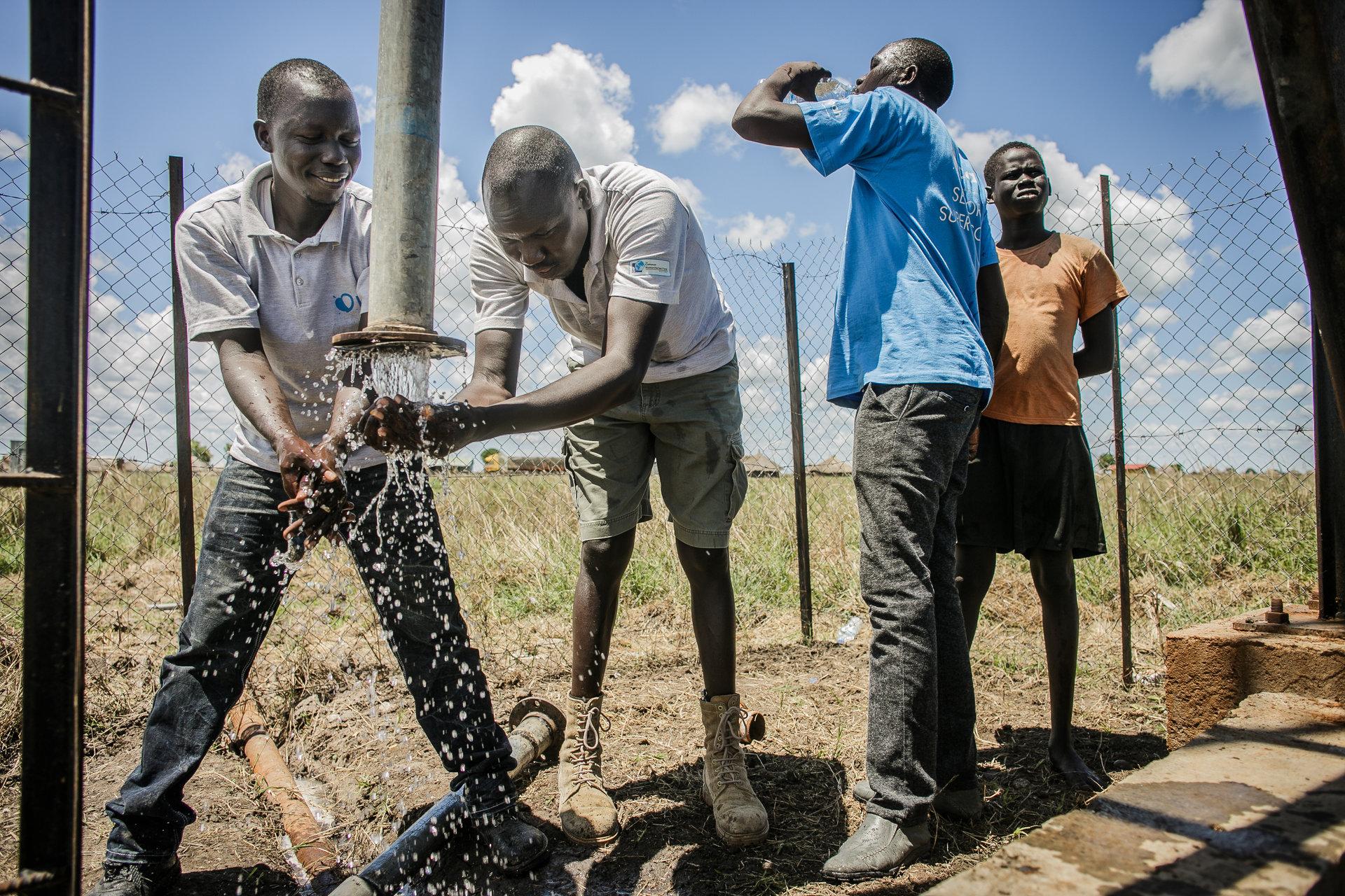 Futuro Finance przekazuje wiertnicę do budowy studni w Sudanie Południowym