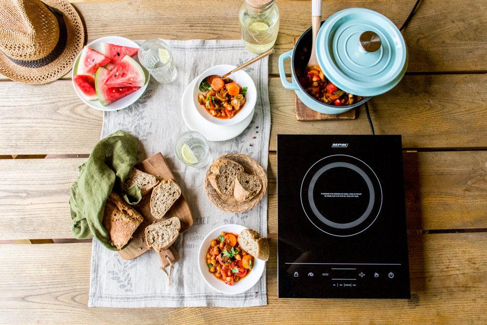 Wakacyjne gotowanie dla aktywnych z kuchenką indukcyjną MKE-06 marki MPM