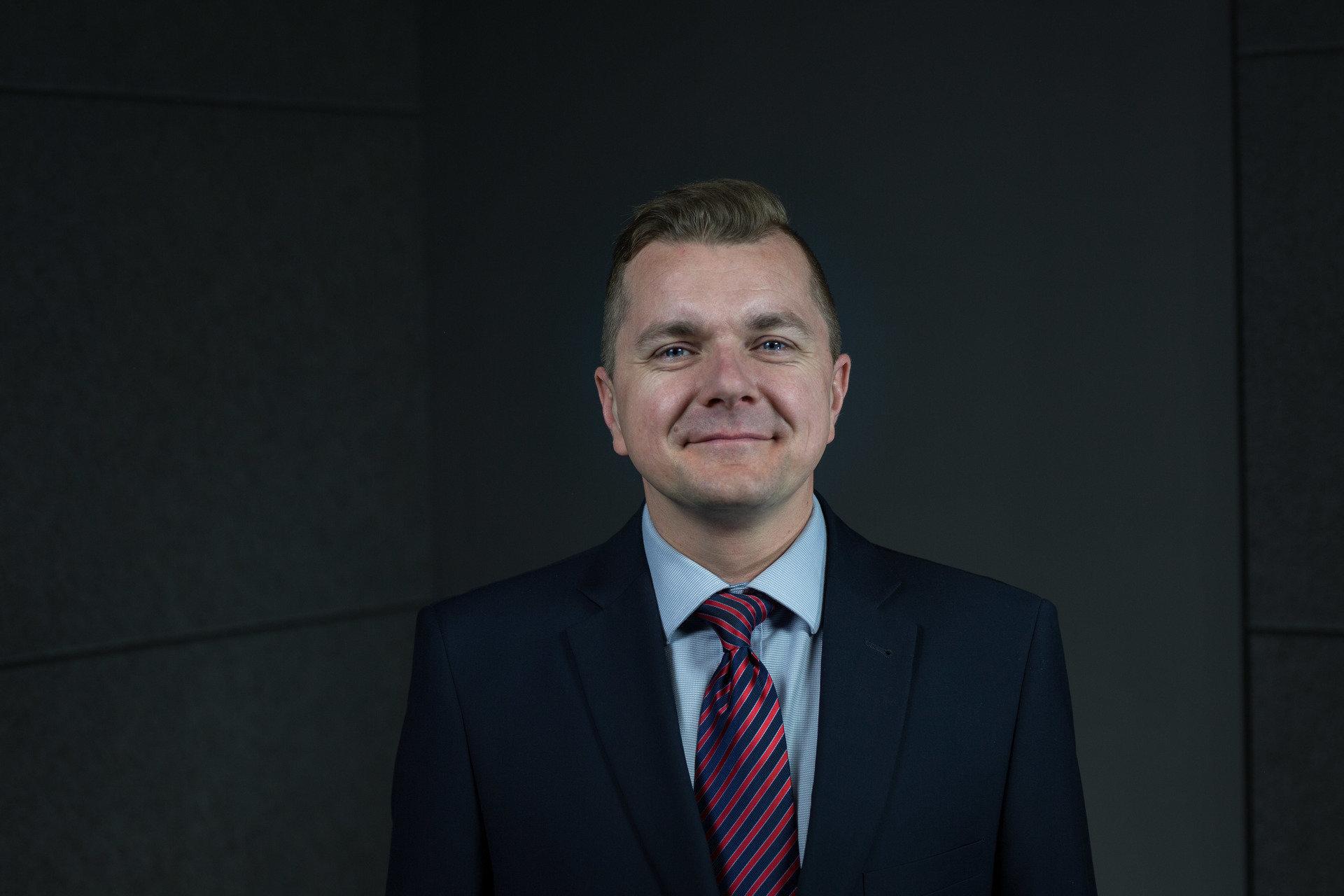 Dr hab. Jakub Marszałek - biznes, finanse