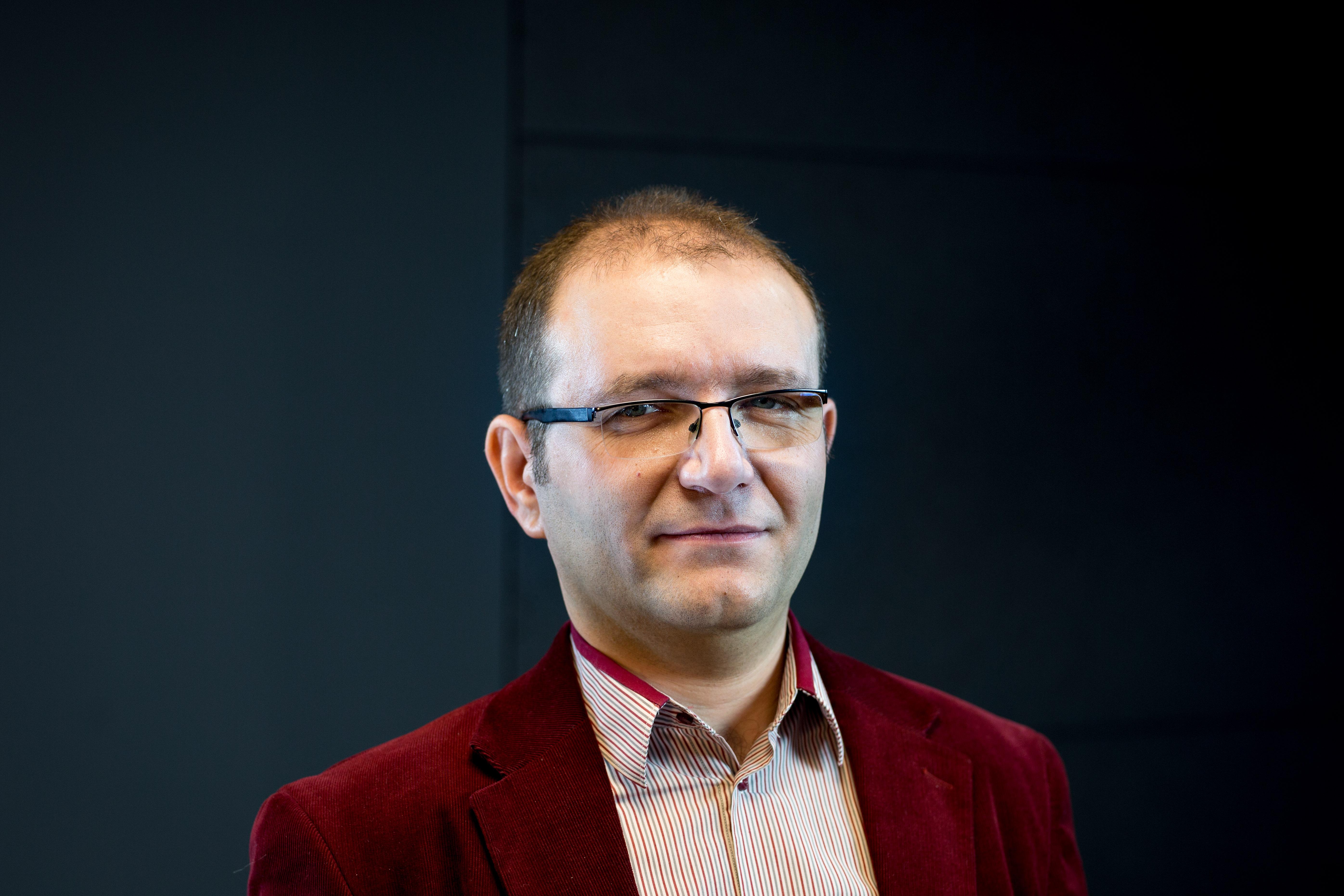 Dr hab. Jarosław Perkowski - fizyka jądrowa