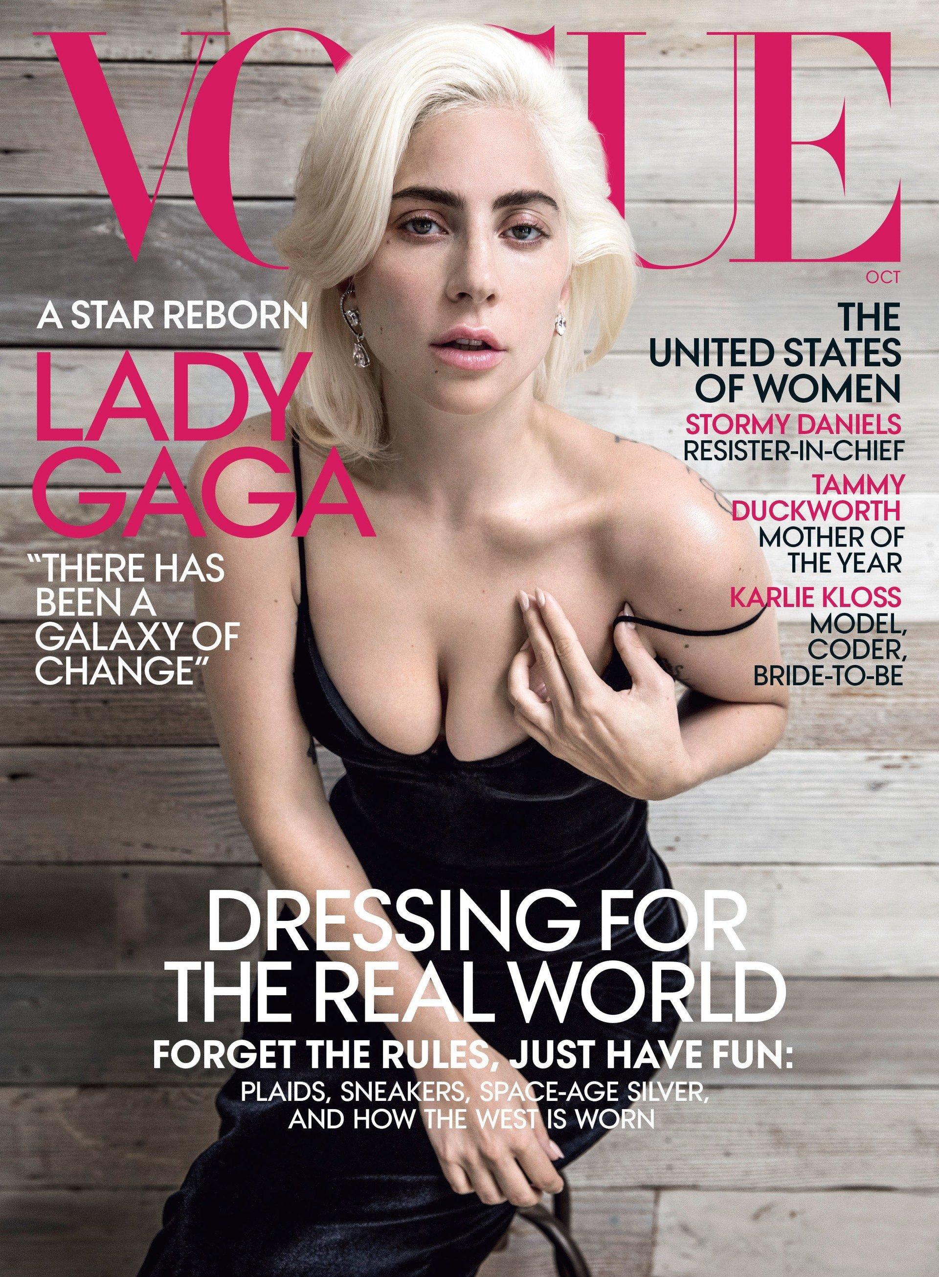 """Lady Gaga na okładce """"Vogue"""". Świetne recenzje filmu """"Narodziny gwiazdy"""""""