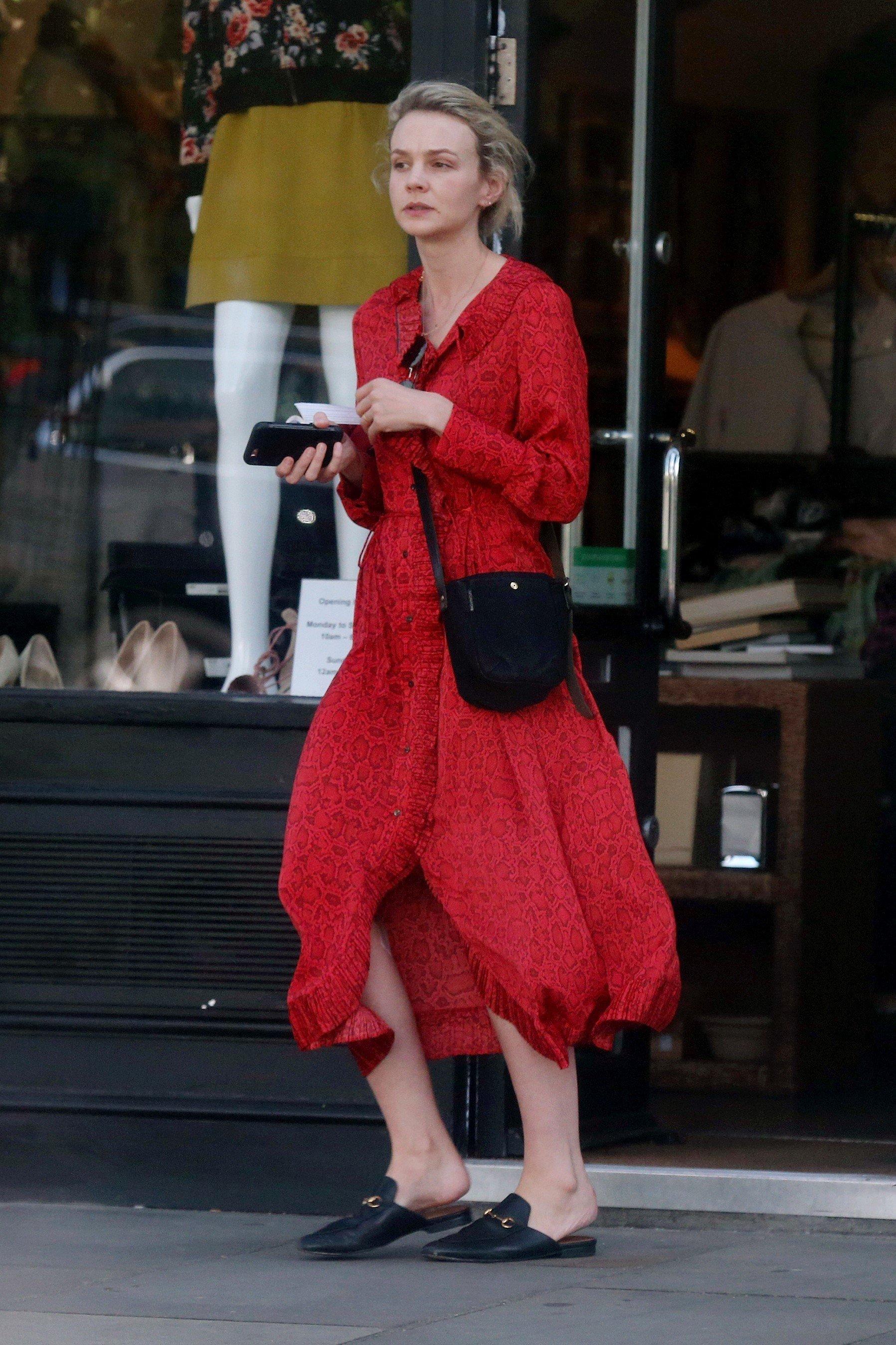 SPOTTED: Carey Mulligan w sukience MANGO!