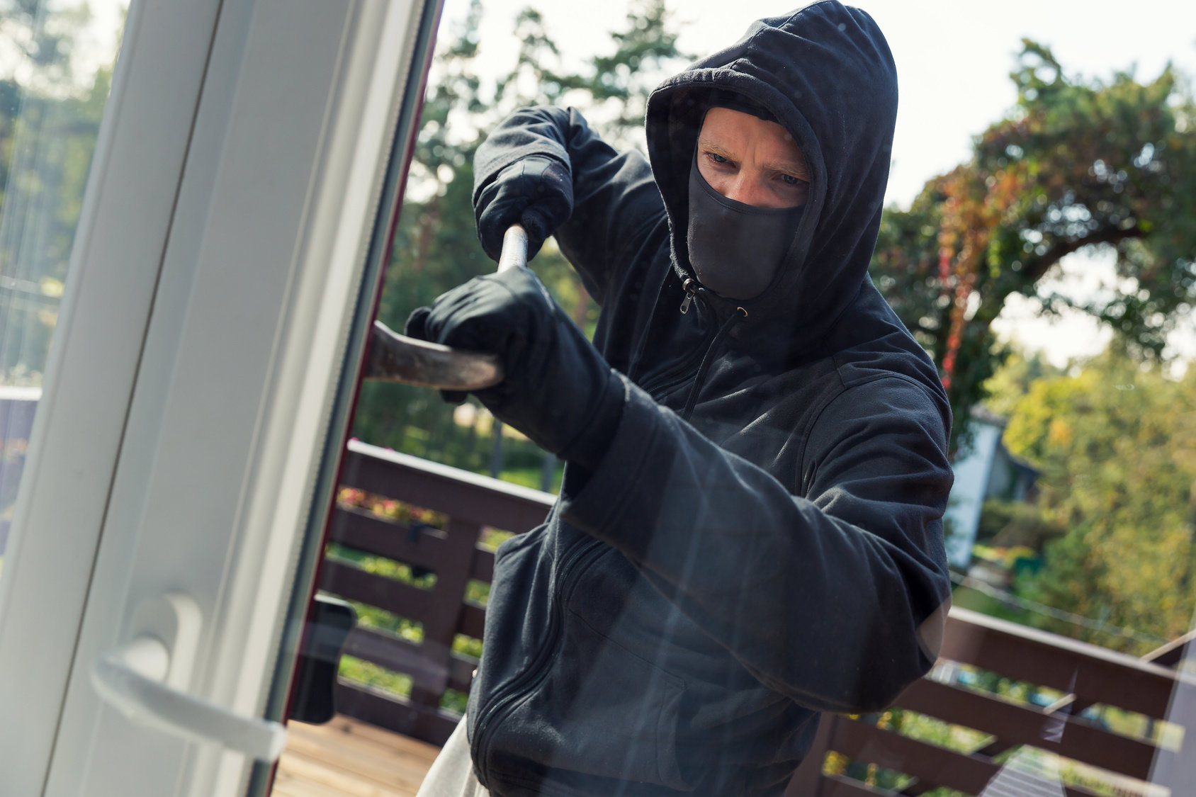 Windows which protect against burglary