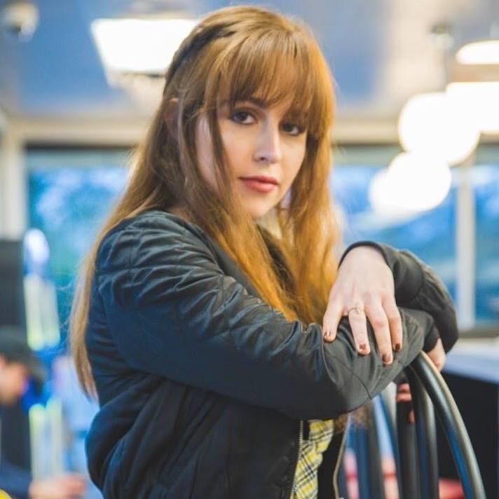 """Tess Clare prezentuje najnowszy singiel """"Lovey"""""""