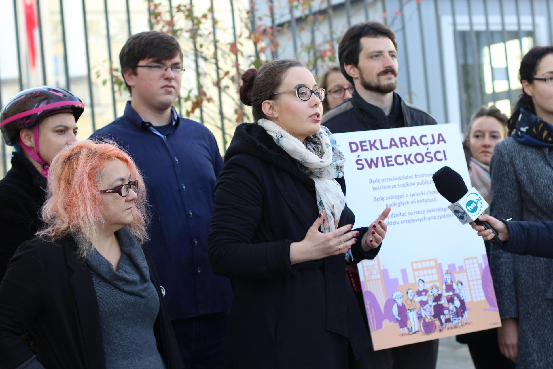 Partia Razem chce świeckiego samorządu
