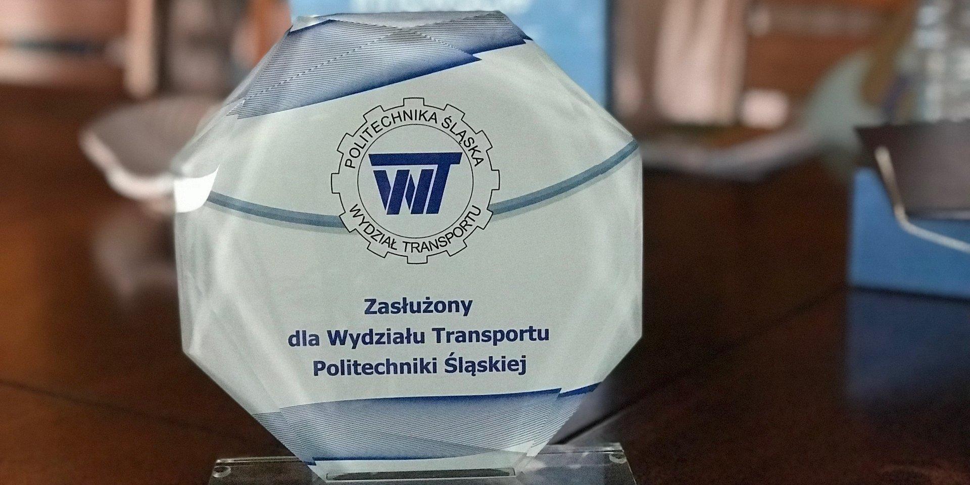 """Alstom Konstal otrzymał wyróżnienie """"Zasłużony dla Wydziału Transportu  Politechniki Śląskiej"""""""