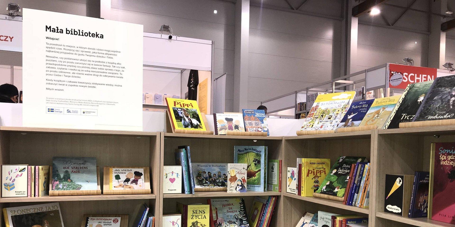 IKEA urządziła strefy na Targach Książki w Krakowie. Po imprezie meble trafią do biblioteki