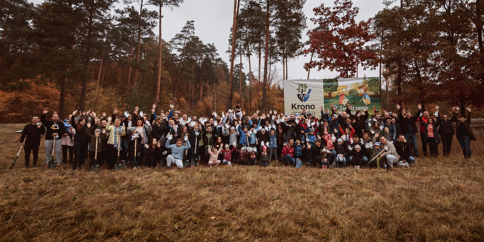 Podczas akcji Kronodrzewko zasadziliśmy kilka tysięcy drzew