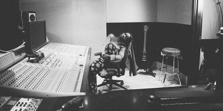 """Zwyciężczyni BBC Sound of 2017 RAY BLK wydała """"Empress"""""""