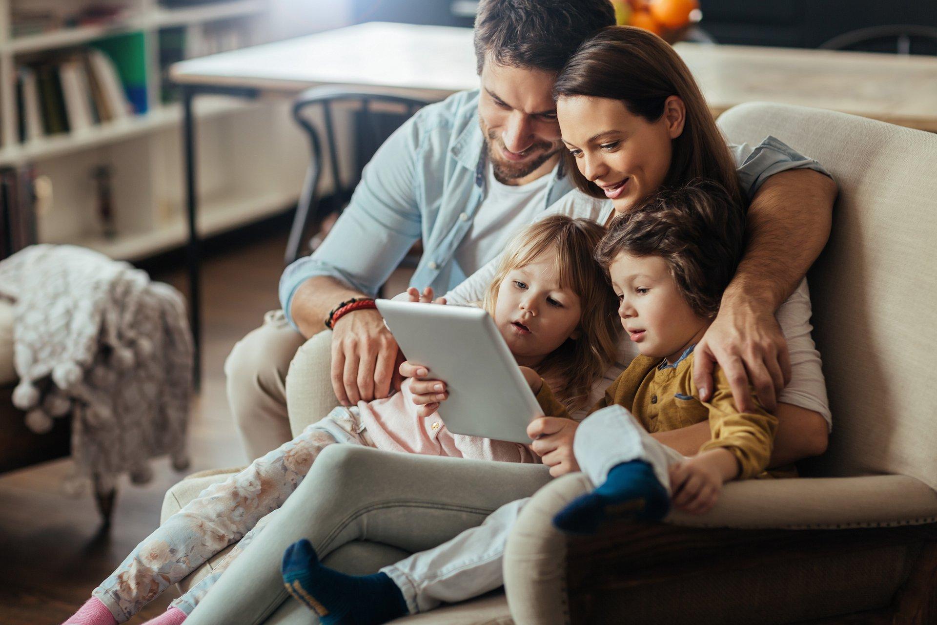 Coraz lepiej planujemy wydatki. Dzieci motywują nas do oszczędzania.