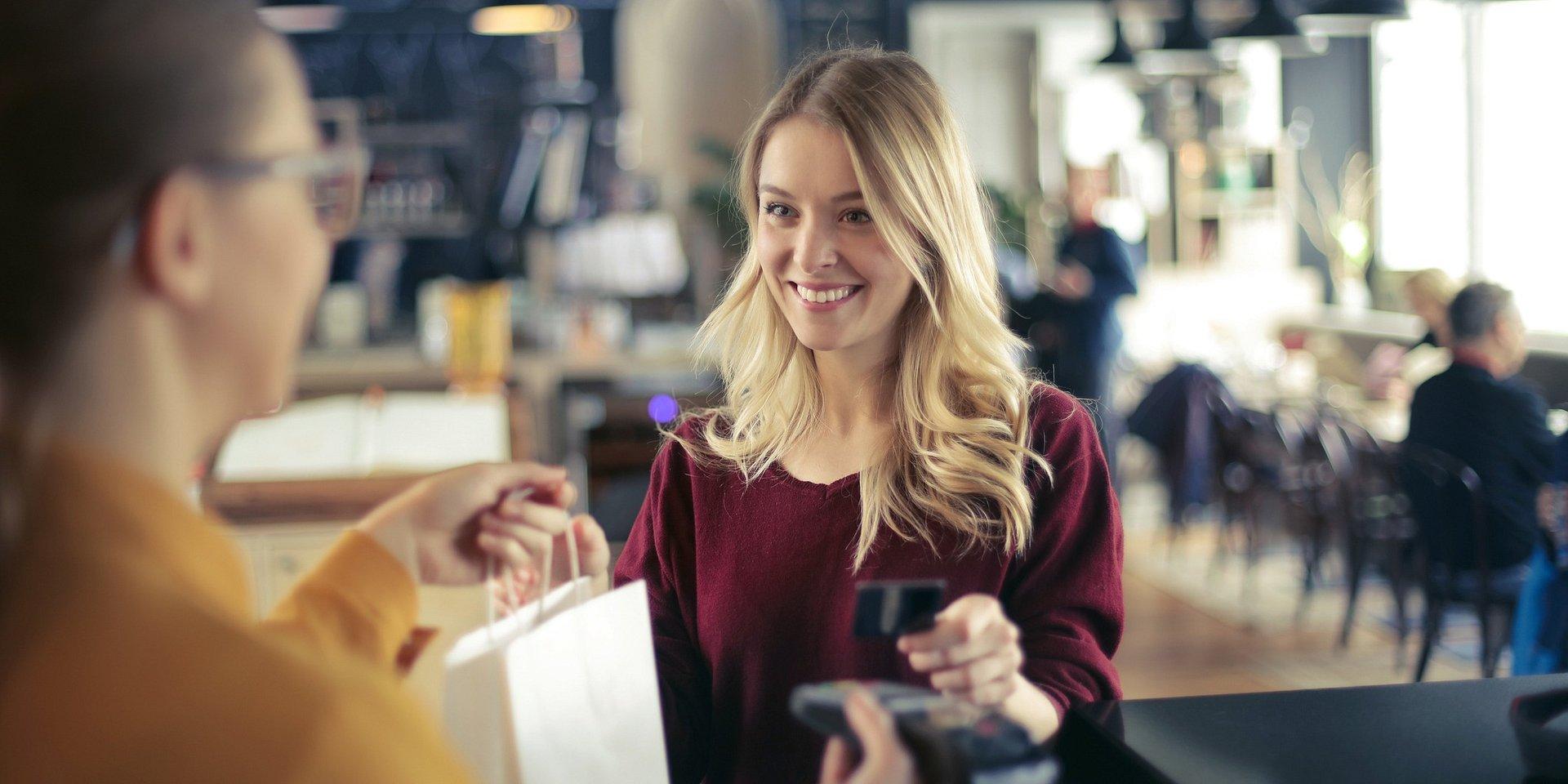 Czy kawa jest lepsza na mieście, czyli 4 rady jak kontrolować swoje wydatki