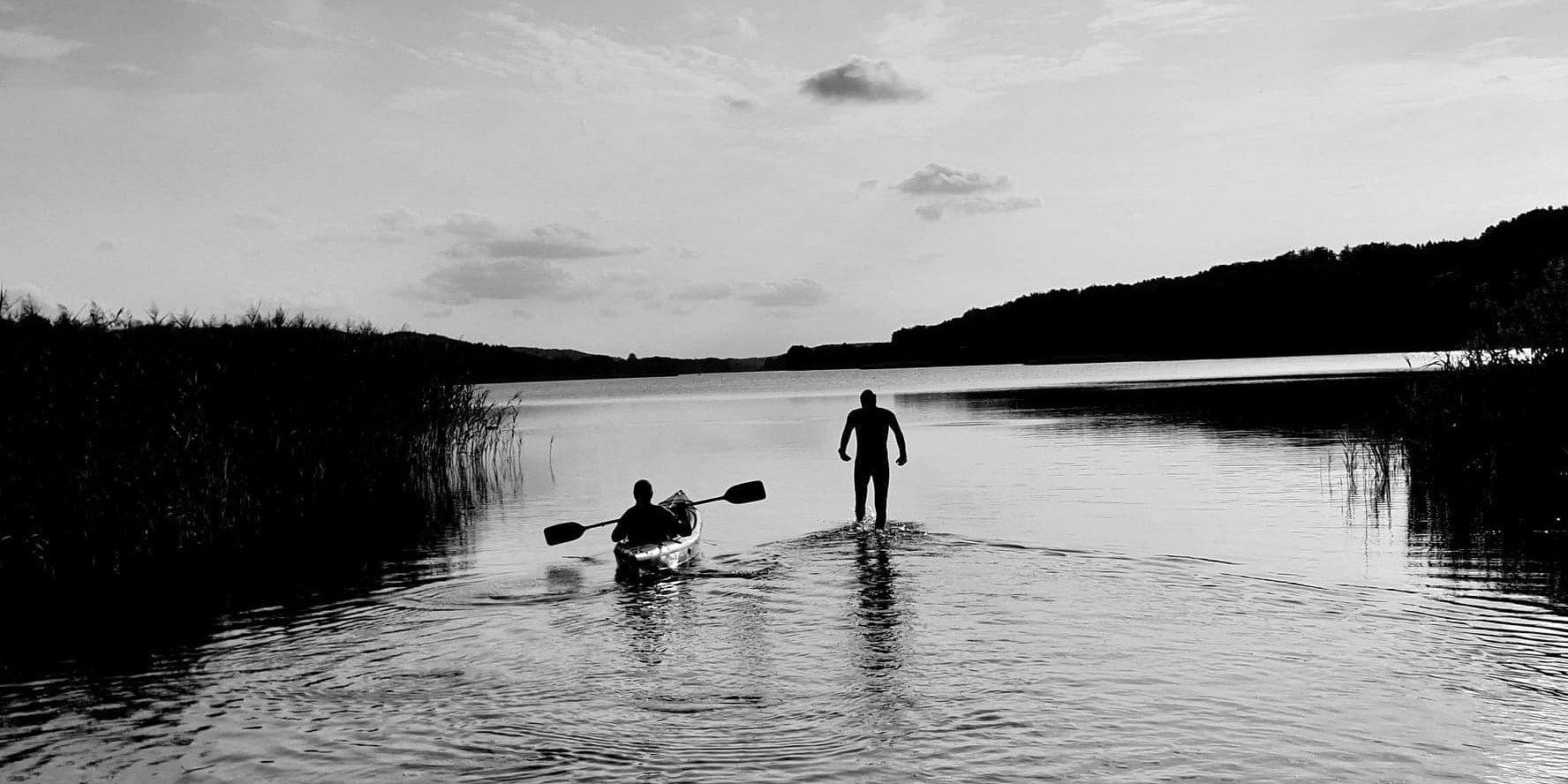 Blisko 40 km w wodzie, wpław, przez 8 jezior, przez 15 godzin - wywiad z Tadeuszem Czepukojciem