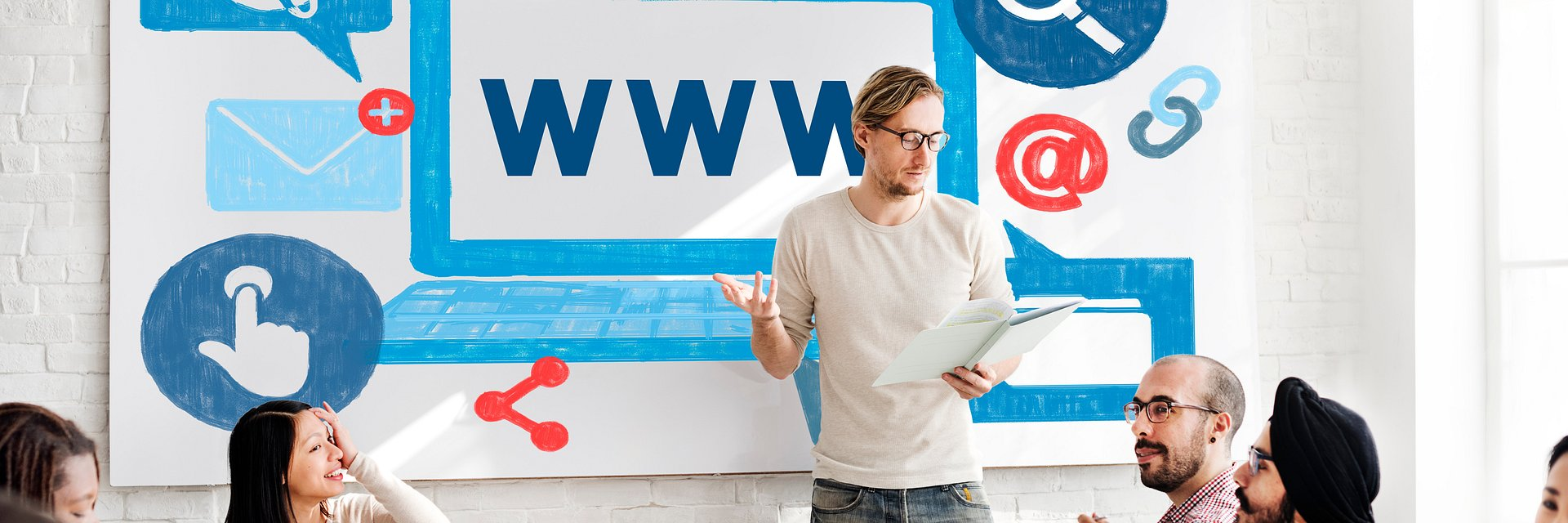 Jak nazwa domeny internetowej pomaga zwiększyć sprzedaż firmom w home.pl?