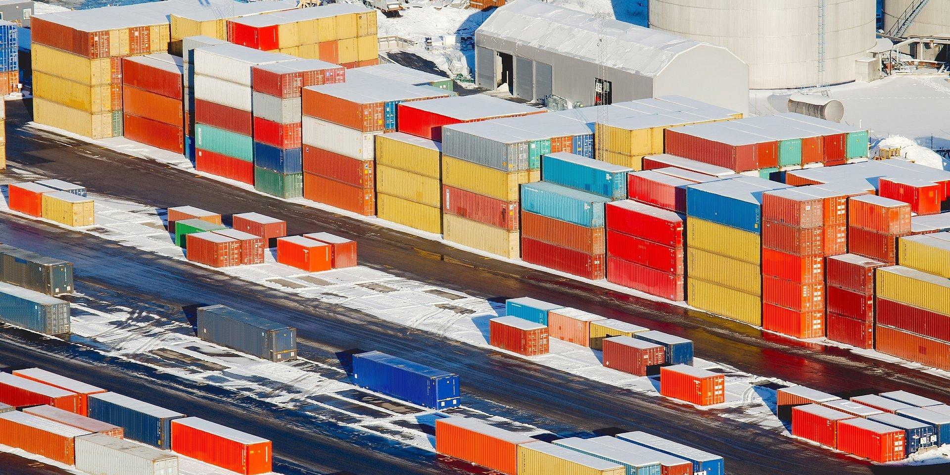 Firmy logistyczne z jeszcze wyższym optymizmem niż rok temu. Produkcja i handel są ostrożniejsze