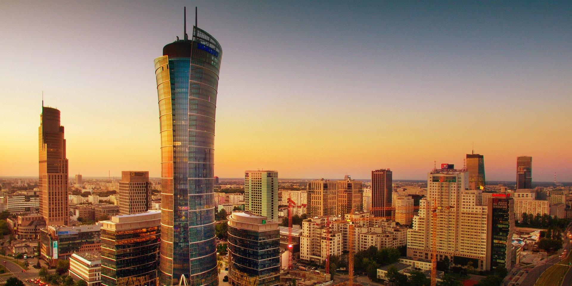 """W Warszawie brak dużych biur dostępnych """"od zaraz"""". Na dobrą ofertę trzeba poczekać nawet do 2020 roku"""