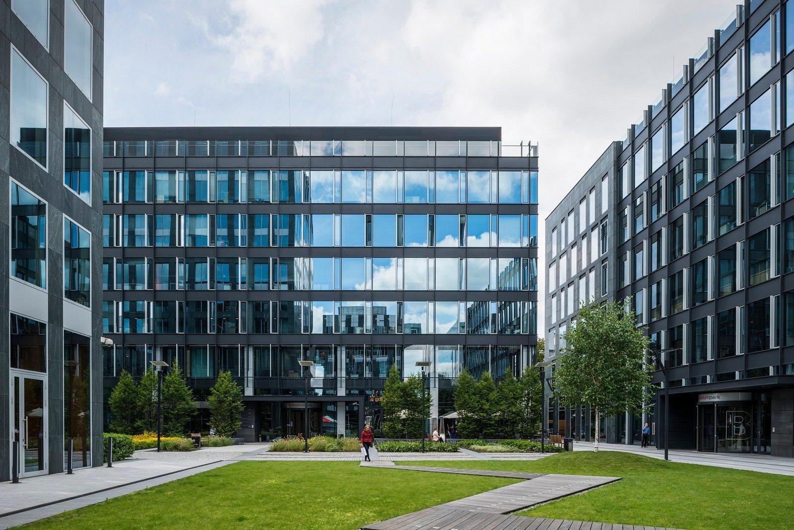 CBRE doradzała Azora Europa przy sprzedaży Harmony Office Center II