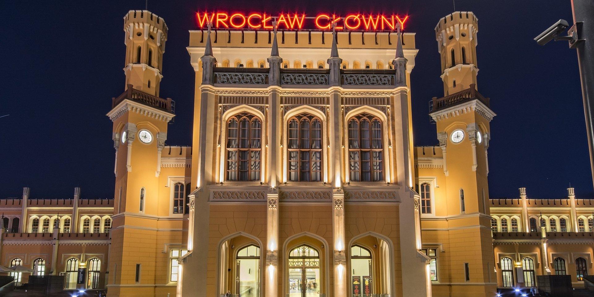Regionalny rynek biurowy: we Wrocławiu buduje się najwięcej biur, w Krakowie najwięcej wynajmuje, a Trójmiasto ma najmniej niewynajętej powierzchni