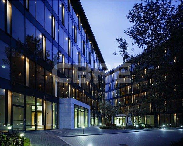 CBRE nie zwalnia tempa – nowe budynki biurowe w zarządzaniu