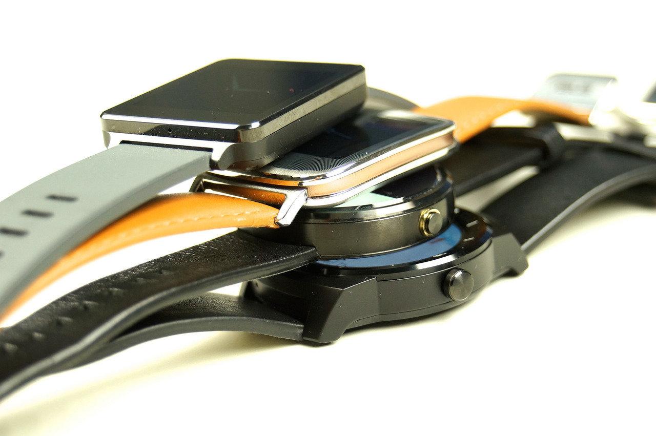Styl i technika. Czy smartwatche zastąpią tradycyjne zegarki?
