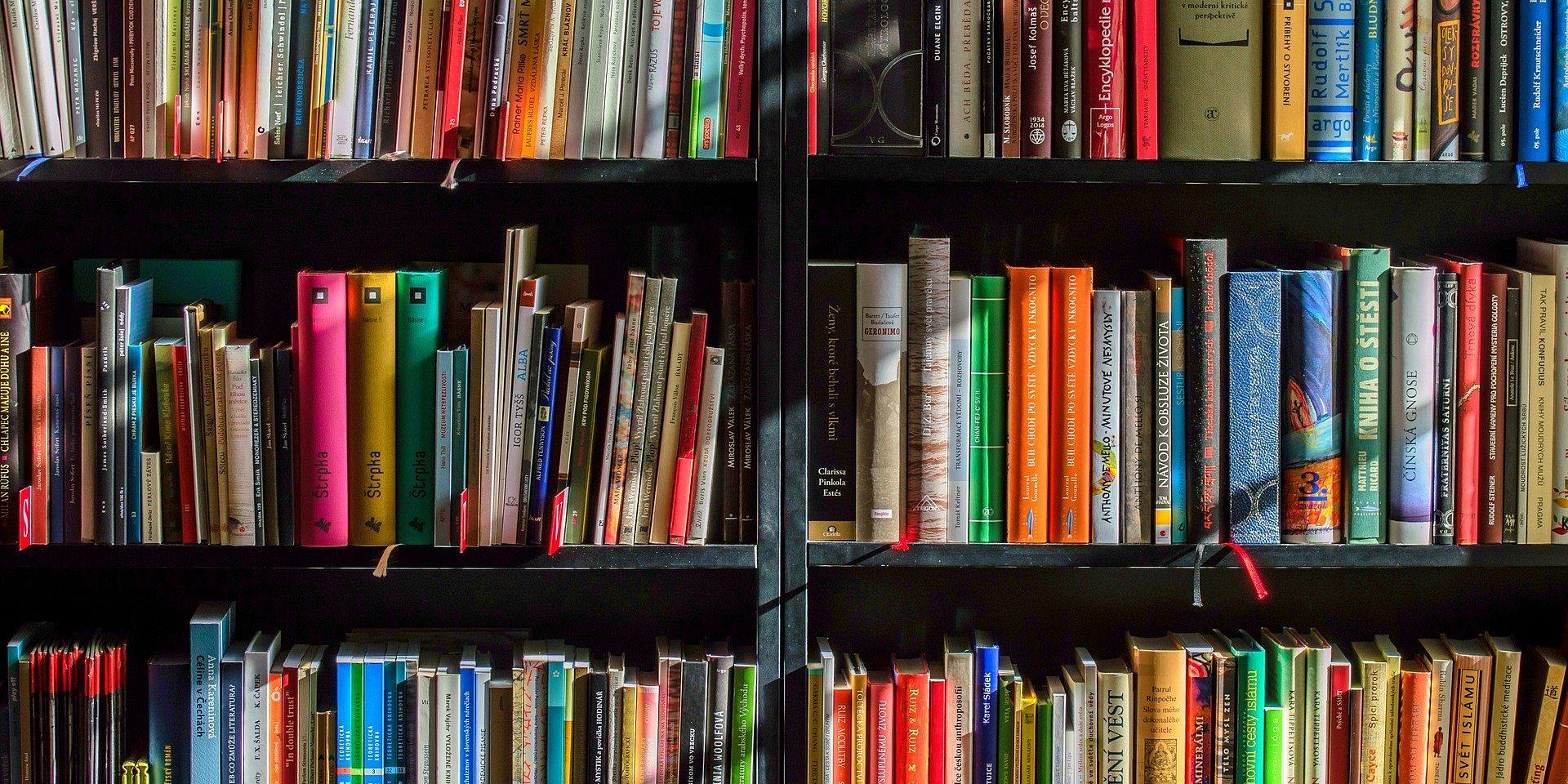 UŁ na VIII Salonie Ciekawej Książki