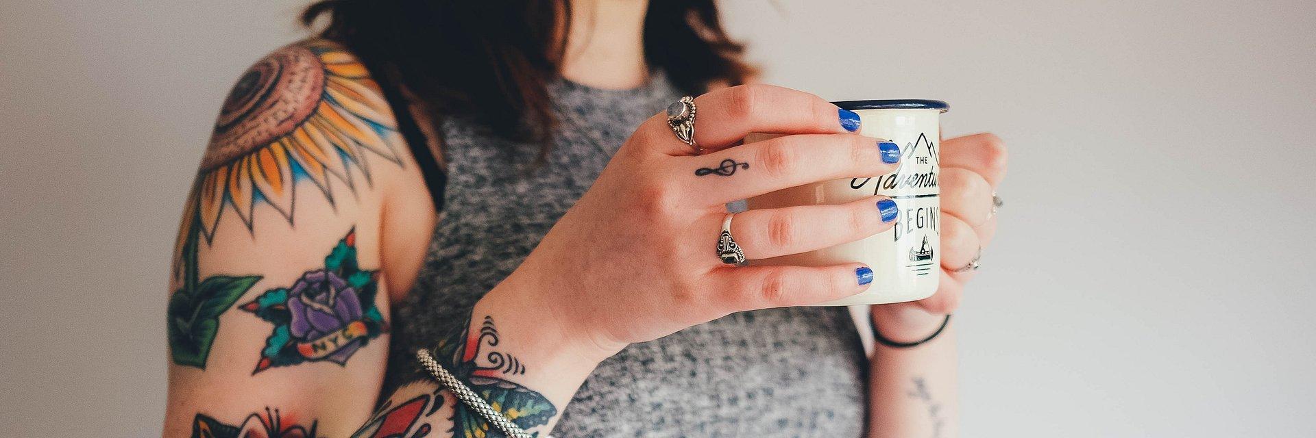 Jak Wybrać I Zadbać O Estetyczny Kobiecy Tatuaż