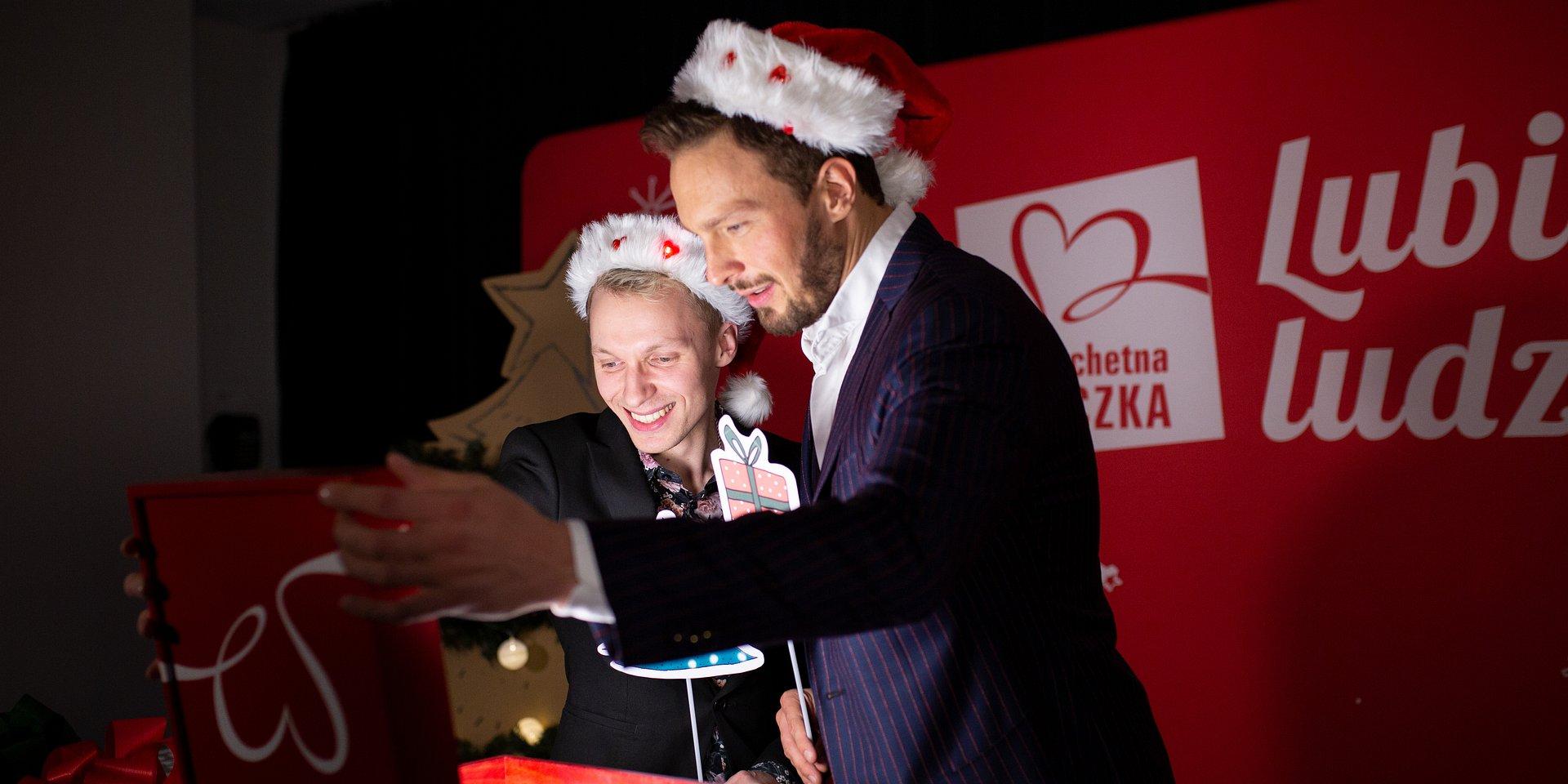 Igor Herbut i Sławek Uniatowski przygotowali Szlachetną Paczkę