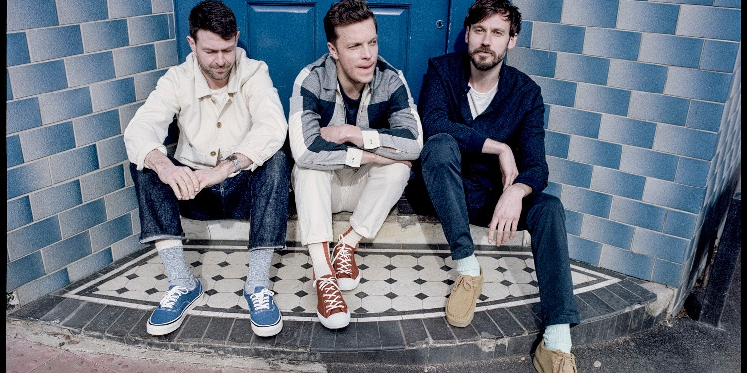 "Friendly Fires z klipem do ""Heaven Let Me In"""