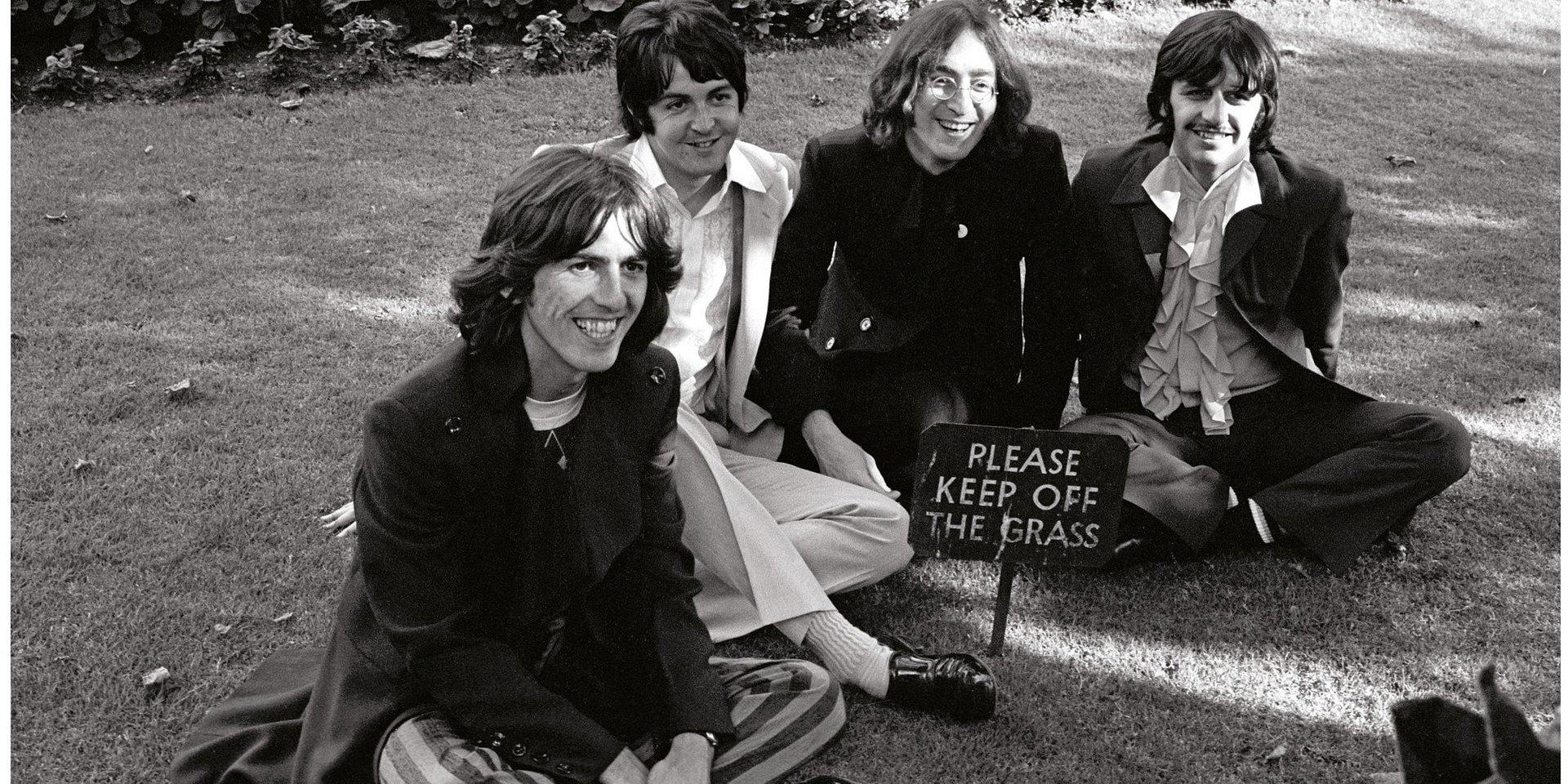 """Tabula Rasa – """"Biały Album"""" Beatlesów 50 lat później"""
