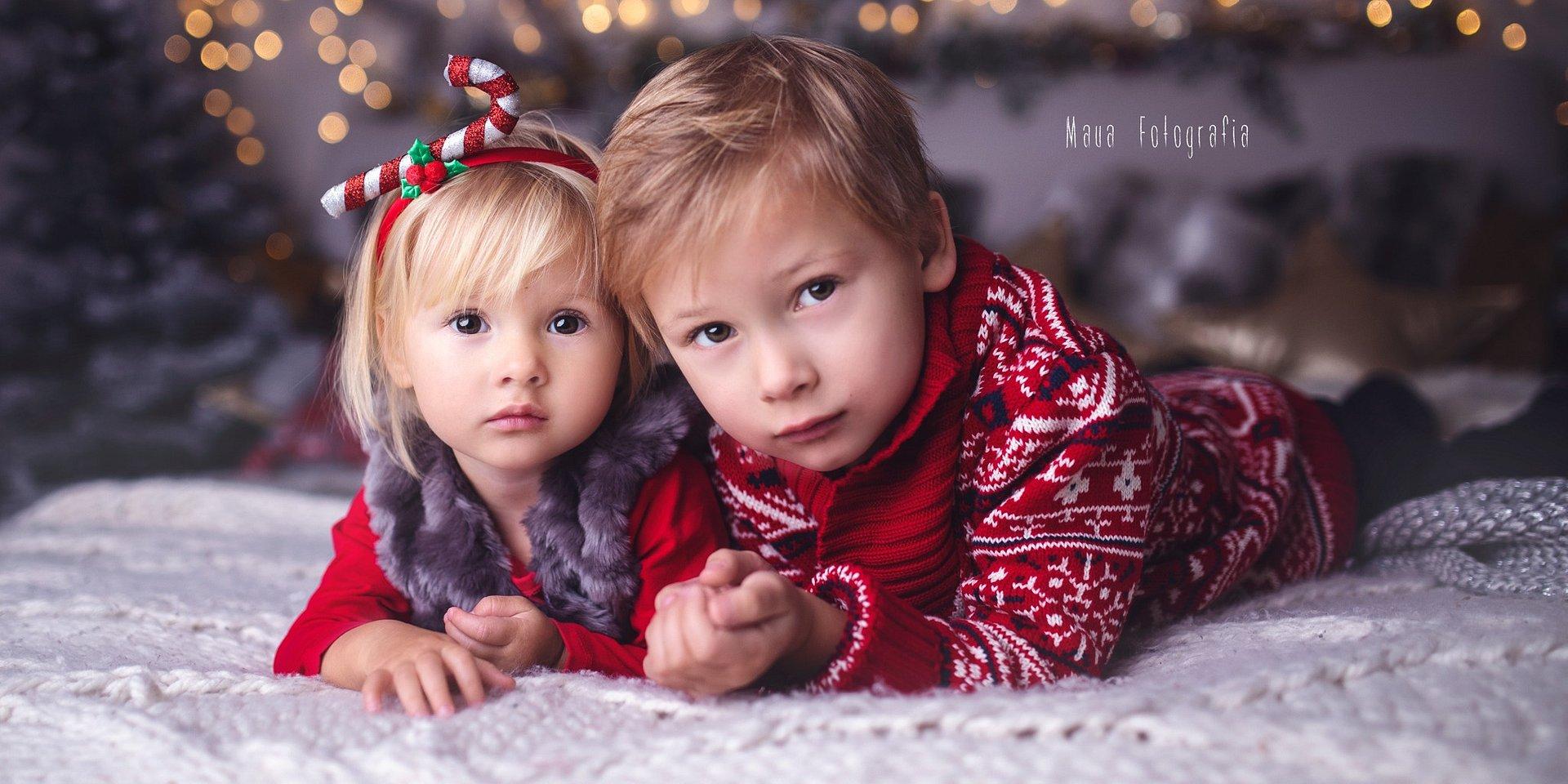 Świąteczna fotografia rodzinna w obiektywie Sigma 35 mm f/1.4 ART według Maua Fotografia
