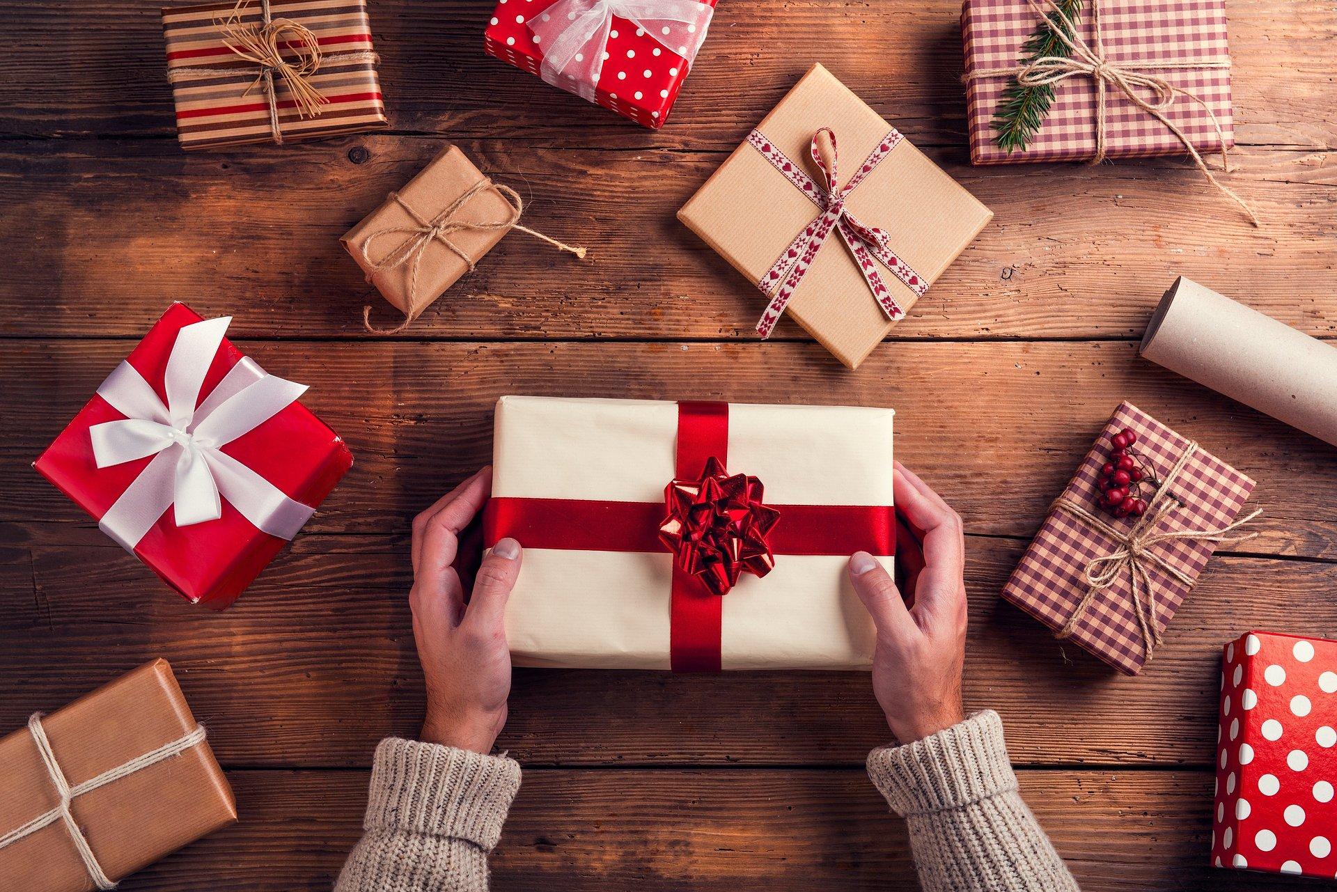 Nie samą gotówką pracownik się raduje – zniżki i rabaty wartościowym dodatkiem do świątecznych prezentów
