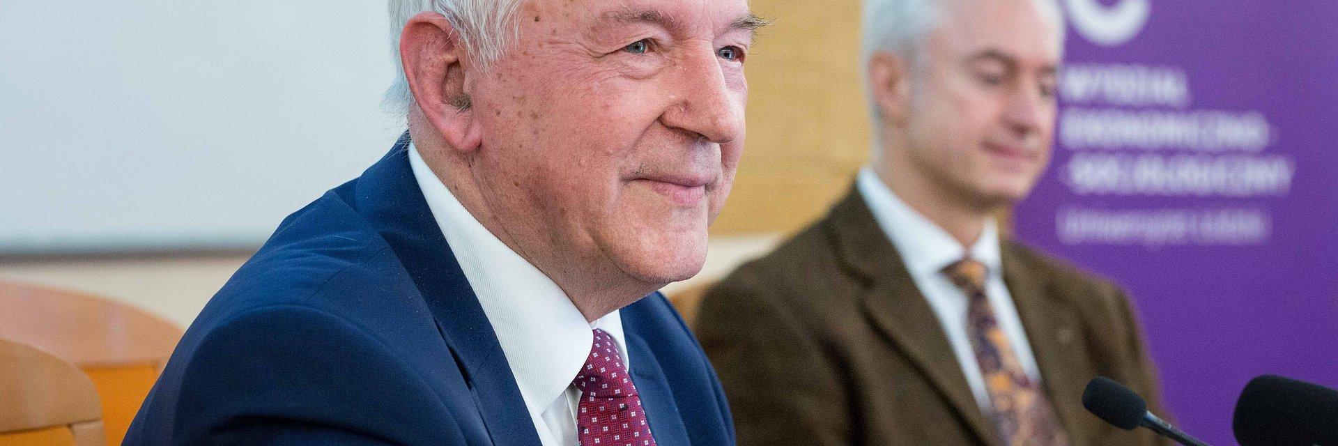 Gospodarka XXI/XXII w. – Prof. S. Gomułka na XXV Wykładzie Rektorskim UŁ