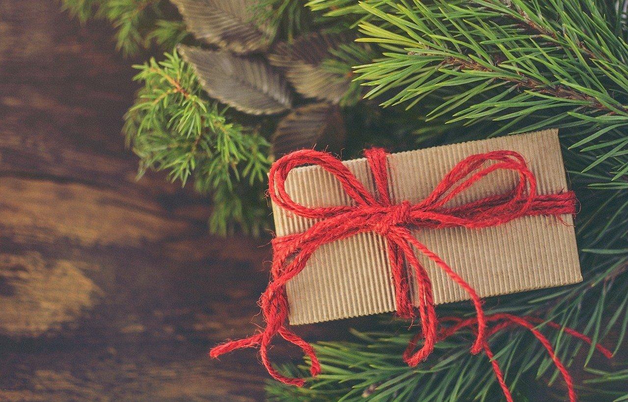 Najlepsze pomysły na gwiazdkowe prezenty dla Rodziców i Dziadków