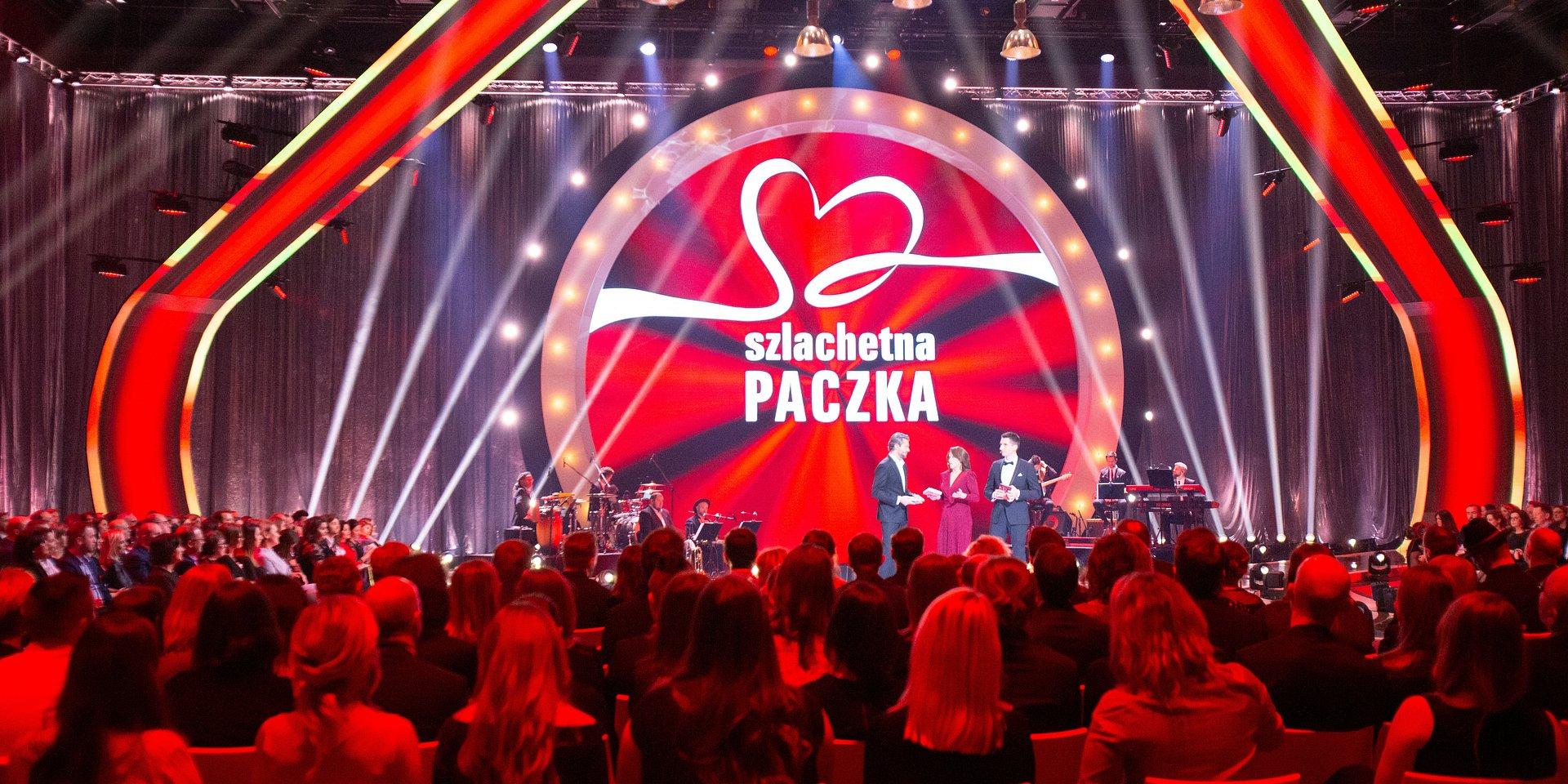 Olivier Janiak, Ewa Drzyzga i Marcin Zaborski dziękowali wolontariuszom podczas Gali Szlachetnej Paczki