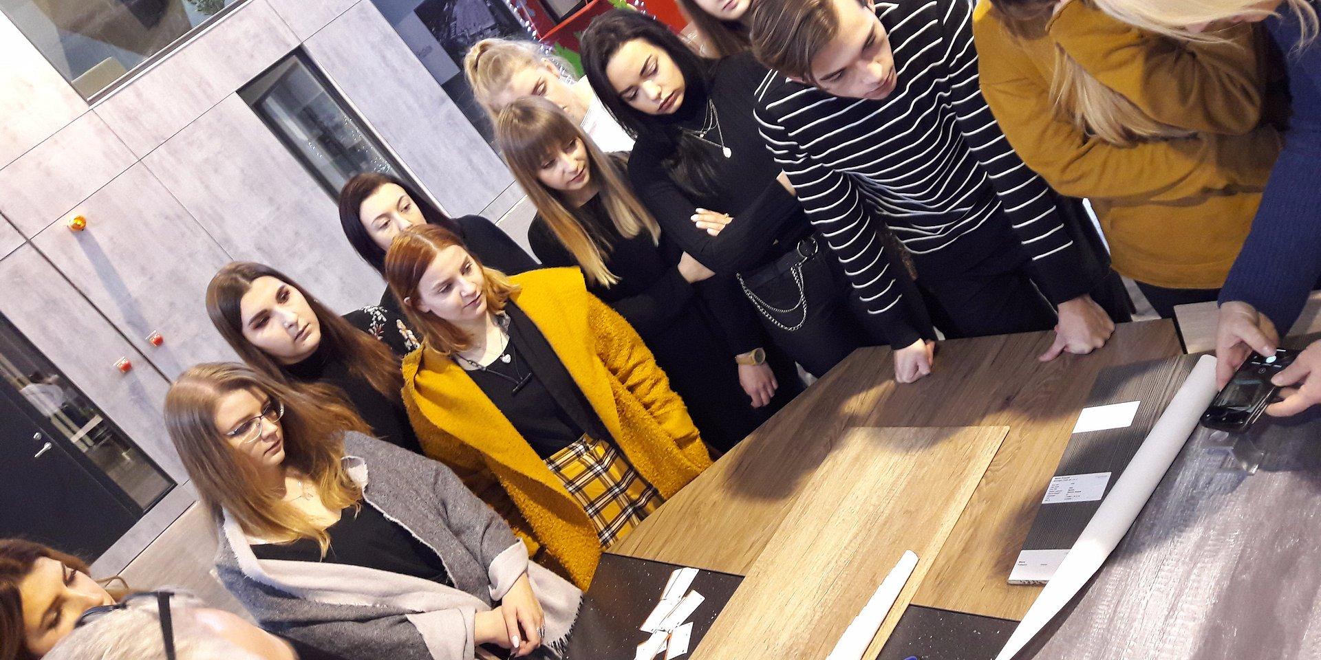 Studenci wracają do Kronospan