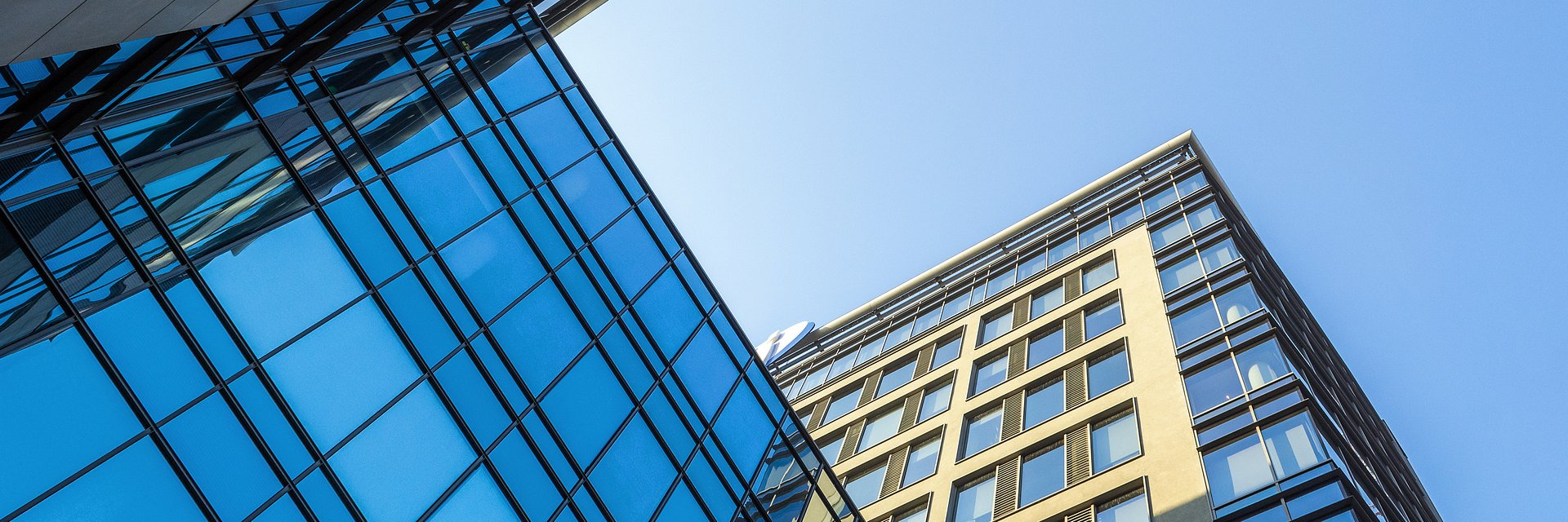 Rekordowo wysoki popyt na powierzchnie biurowe w Warszawie. Zaczyna brakować dostępnej powierzchni