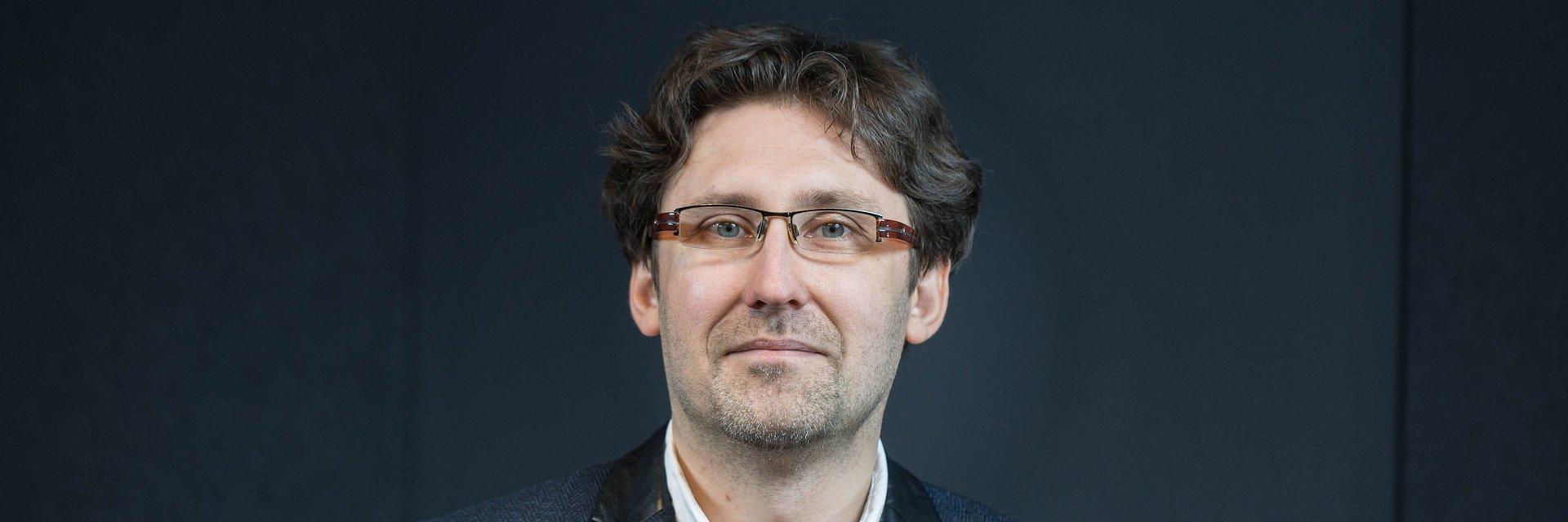 Dr hab. Stanisław Kosmynka - politologia