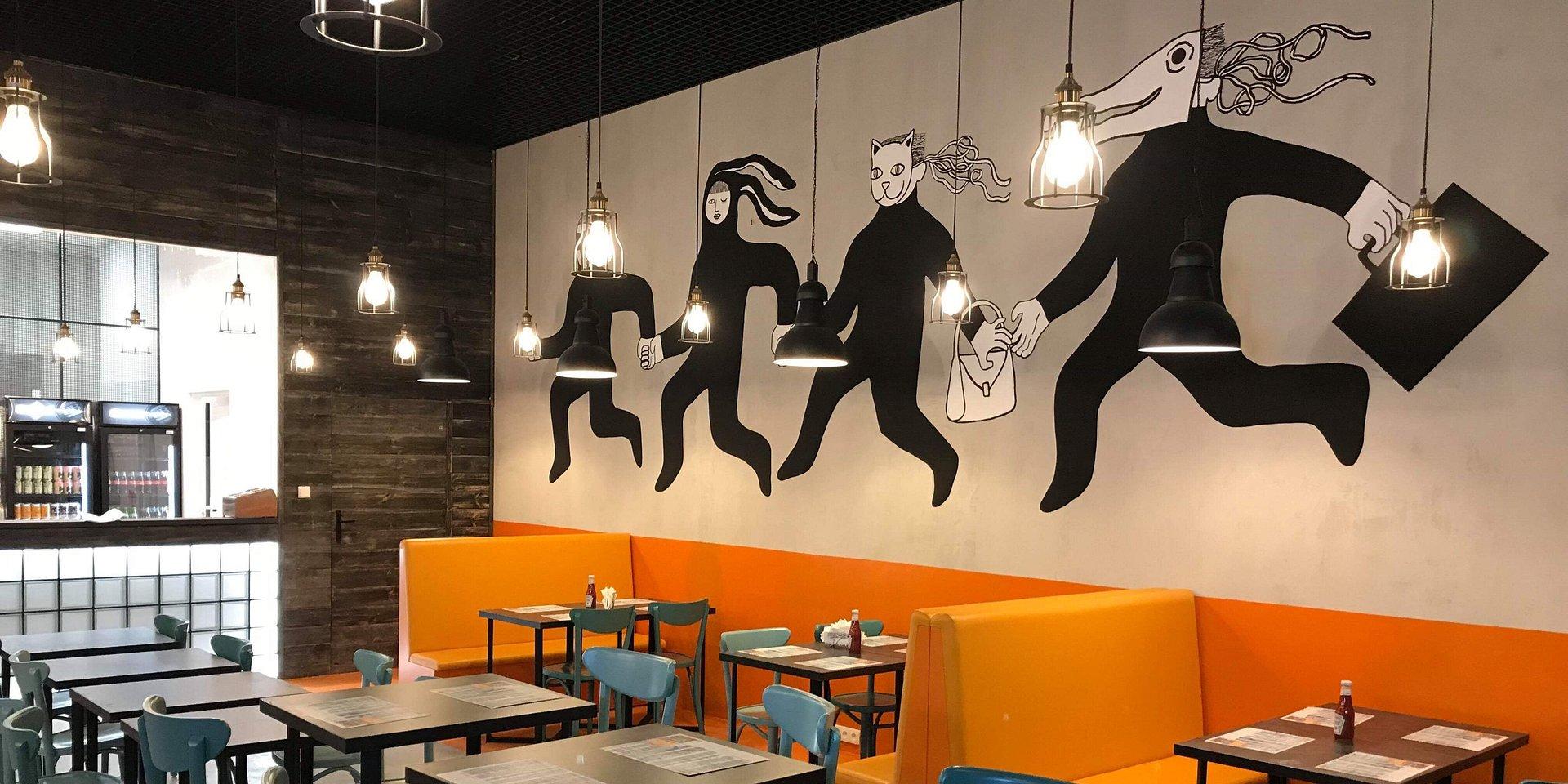 2877c36cb8 Drugi lokal sieci Bobby Burger w Poznaniu. Na ścianie mural utalentowanej  artystki z naszego miasta
