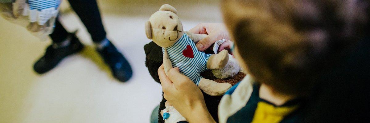 IKEA Poznań przekazała pluszaki dla małych pacjentów szpitali dziecięcych w Poznaniu