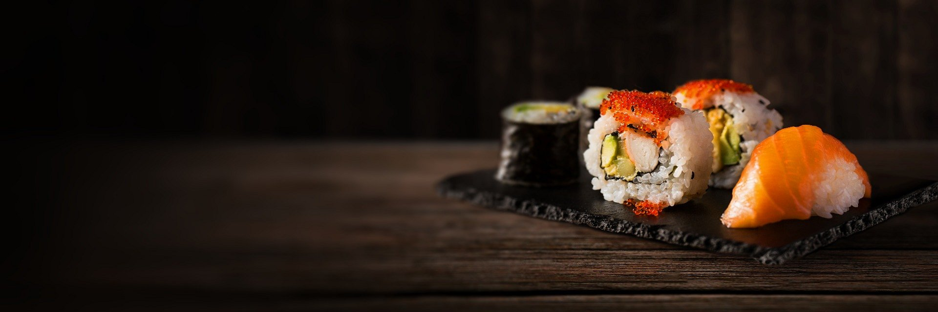 Sushi z dostawą coraz częstszym wyborem na świętowanie Walentynek