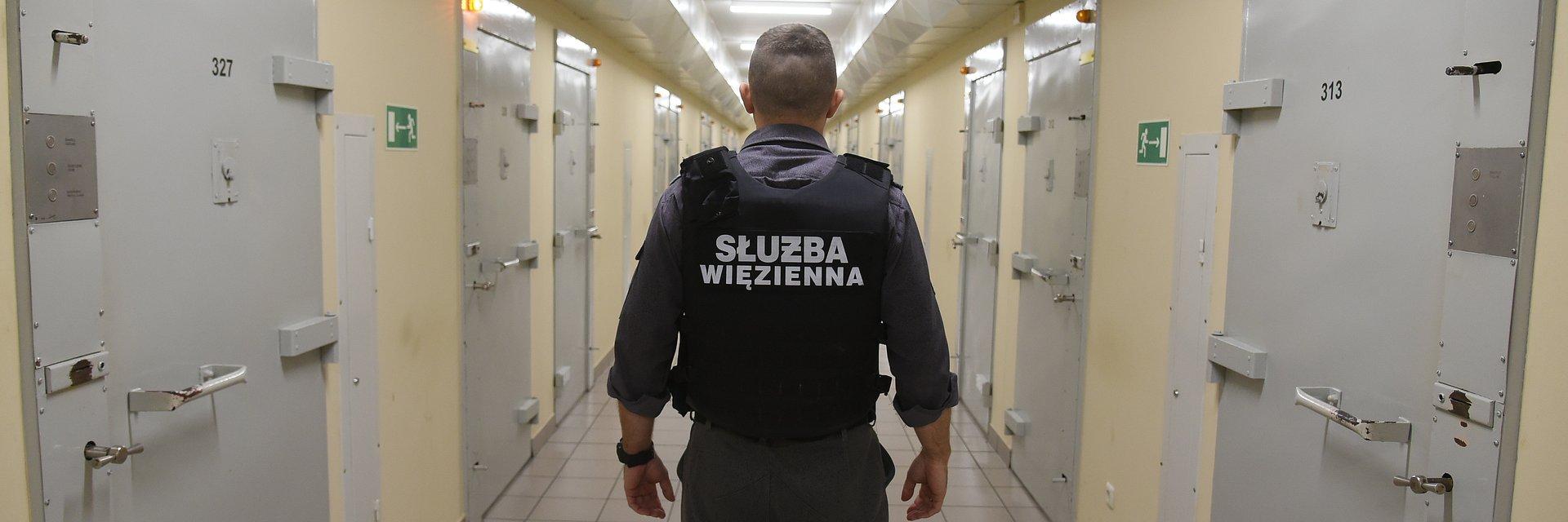 """""""Służba więzienna"""" - nowy program TVN Turbo"""