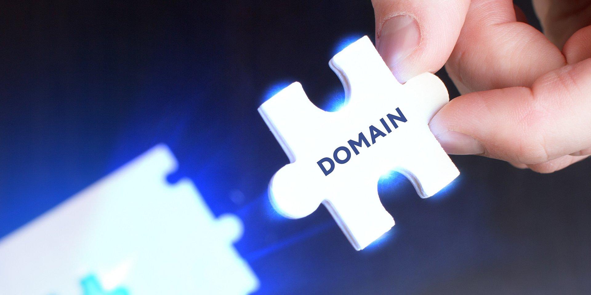 Bezpieczeństwo i technologia priorytetem rynku rejestracji domen