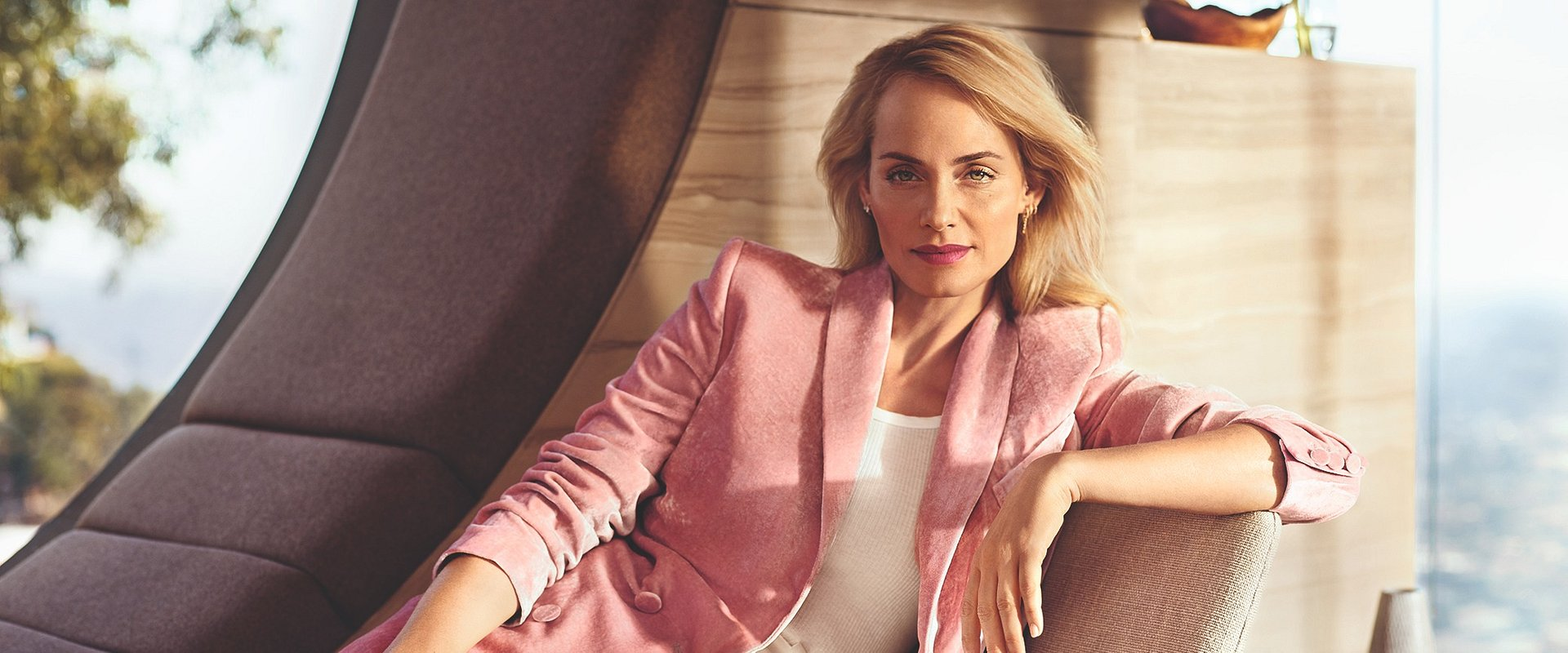Amber Valletta Make-up Capsule Collection w Douglas