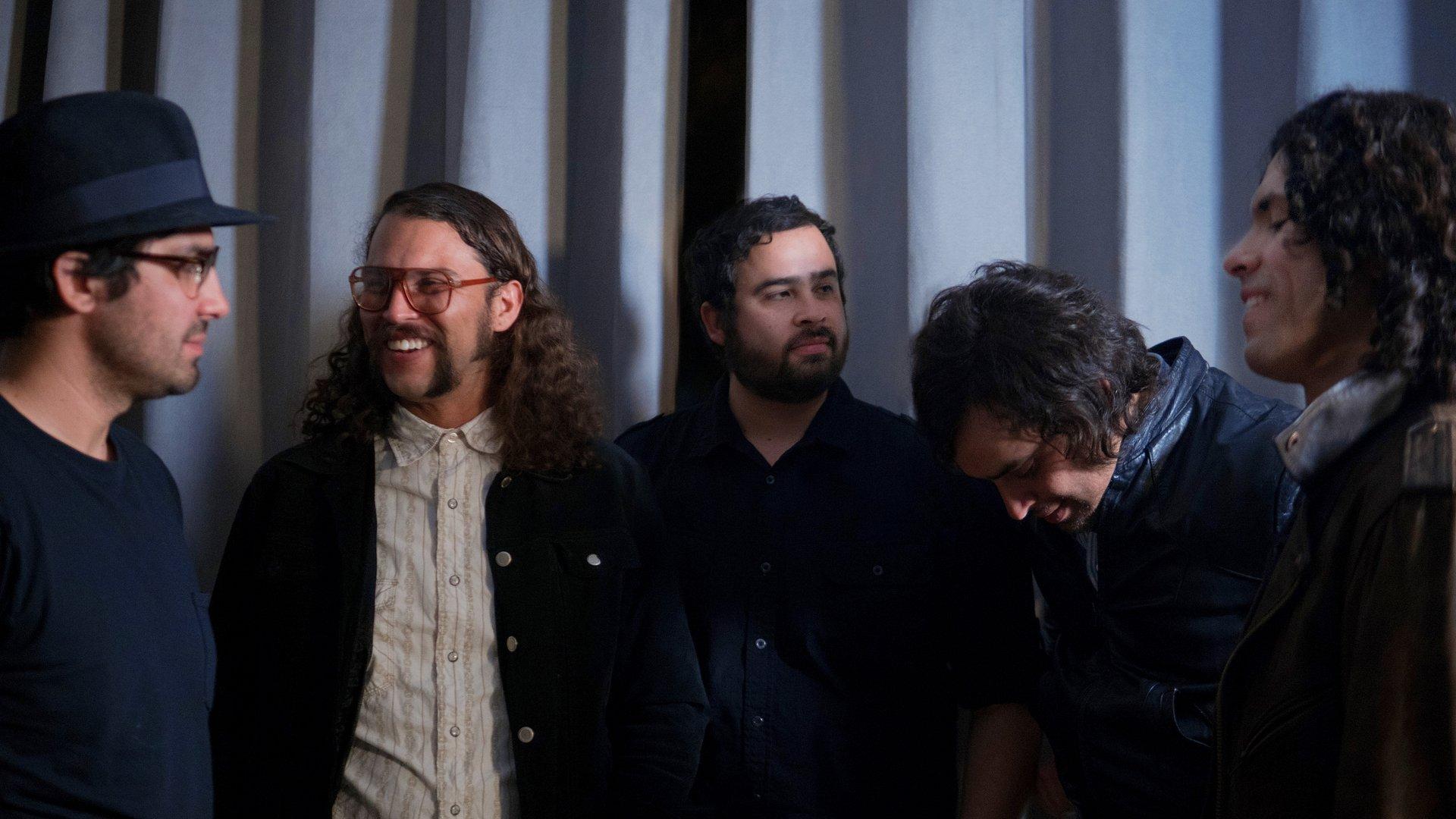 Con nuevo disco y show renovado, Enjambre llegará a la Ciudad de México