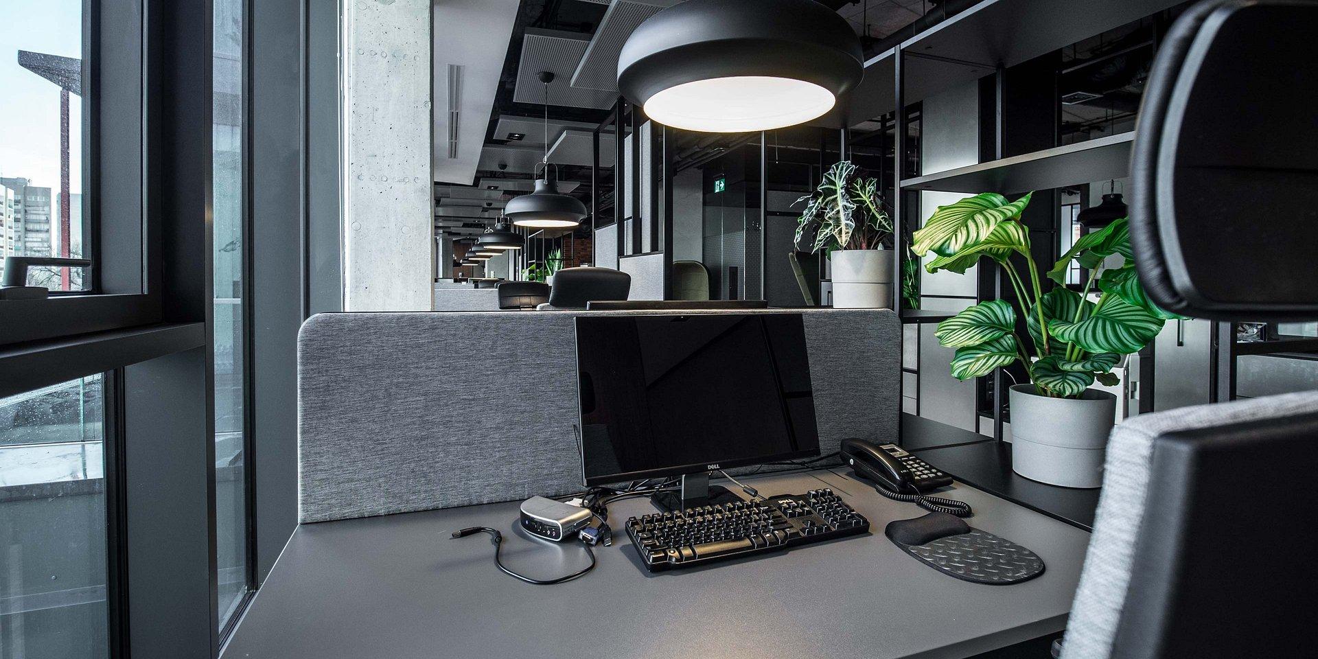 Planujesz zmianę lub rearanżację biura? Możesz natknąć się na te pojęcia