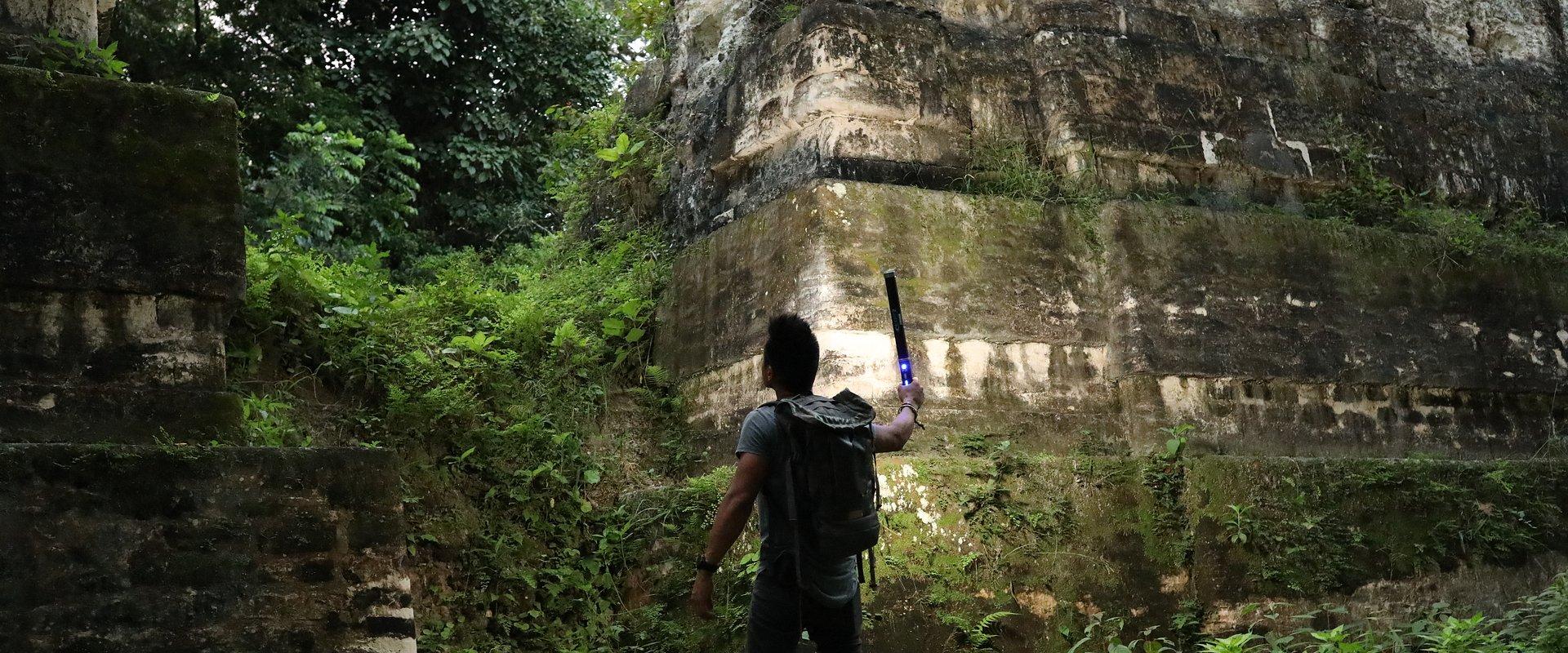 """Twórcy serii """"Tajemniczy świat Majów"""" wracają do gwatemalskiej dżungli, aby pokazać nowo odkryte obiekty archeologiczne"""