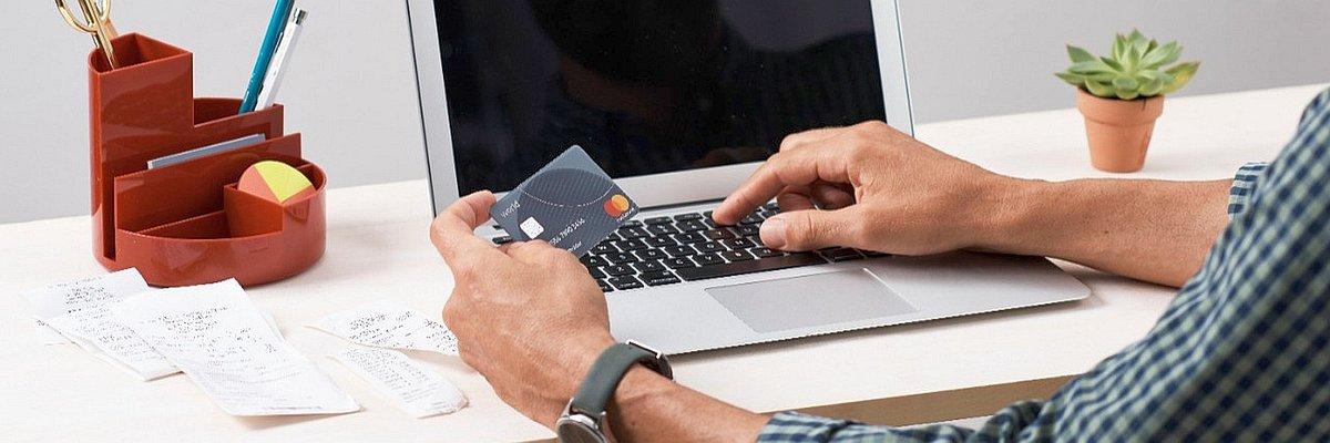 Czym są płatności cykliczne i jak chronią przed utratą dostępu do domeny lub poczty email?