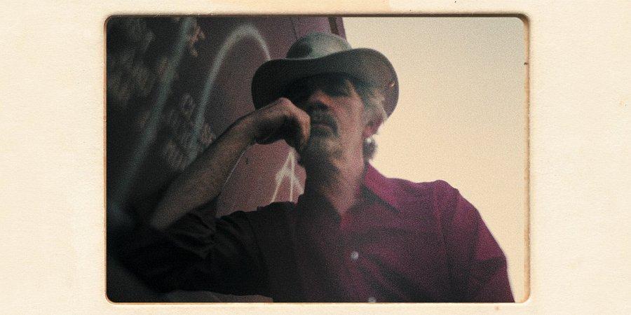"""""""Stay Around"""", czyli wyjątkowa kolekcja utworów J.J. Cale'a"""