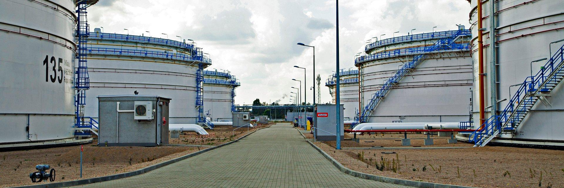 PERN na bieżąco obsługuje rafinerie