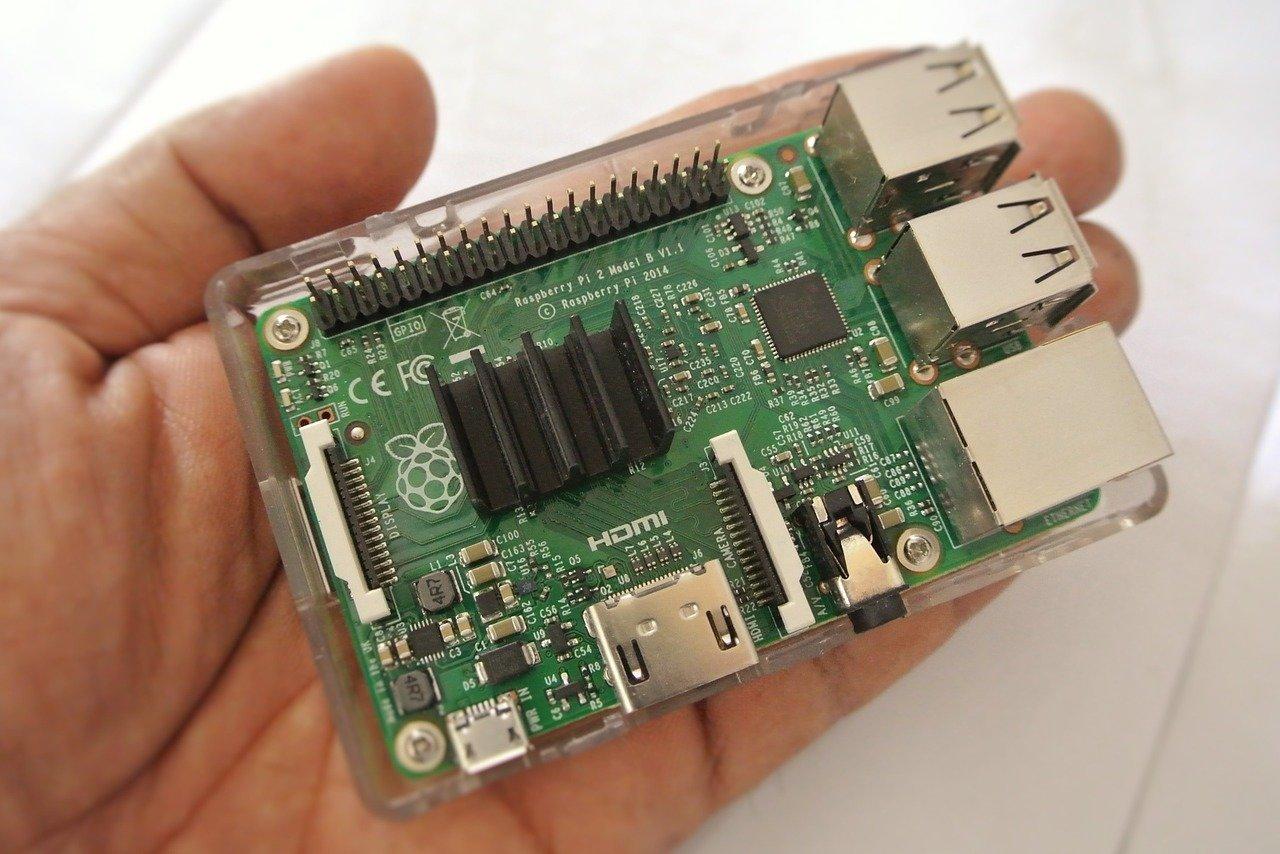 Mikrokomputer Raspberry Pi – mały, ale wariat